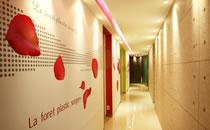 韩国LAFORET整形医院走廊