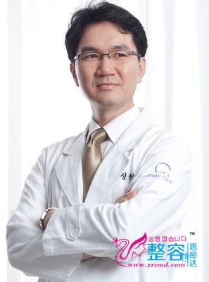 白承灿 韩国原辰整形外科医院整形专家