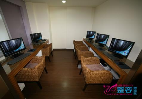 韩国BK整形医院2楼挂号处
