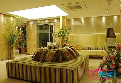韩国DrChois整形外科诊所休息大厅