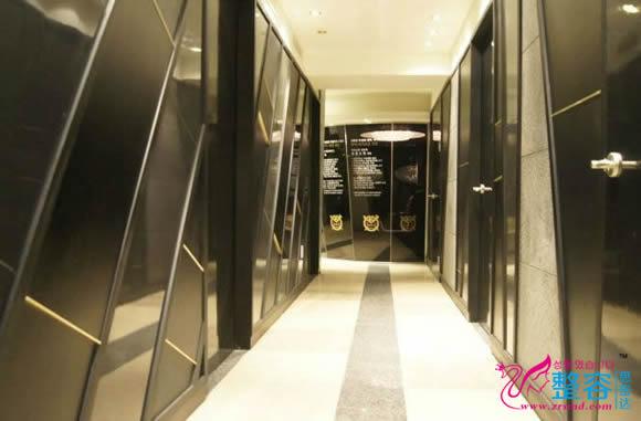 韩国芭比整形外科走廊