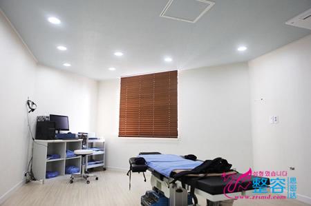 韩国BONGBONG整形外科医院检查室