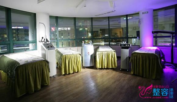 韩国SEVEN RHEMA毛发移植医院治疗室